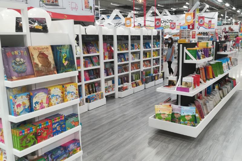 Am deschis două noi librării în Auchan!